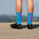 Compress - Blue/Neon Pink - Cycling socks - 17 cm