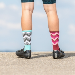 Switchback - Cycling socks  - Bordeaux/Pink - 20 cm